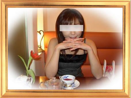 紅茶と女性