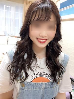 渋谷 交際クラブの笑顔が素敵な美人OL女性