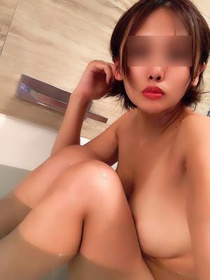 品川 デートクラブの半裸の美女